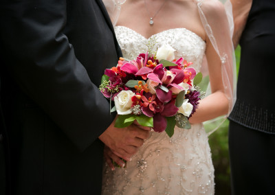 weddings-bridal-bouquet-reds-dunstable-ma