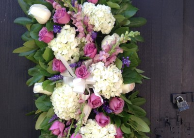 Rose_of_Sharon_Dunstable_Flowers_sympathy_hanging_arrangement
