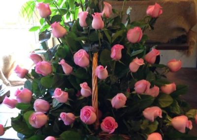 Rose_of_Sharon_Dunstable_Flowers_funeral_rose_arrangement