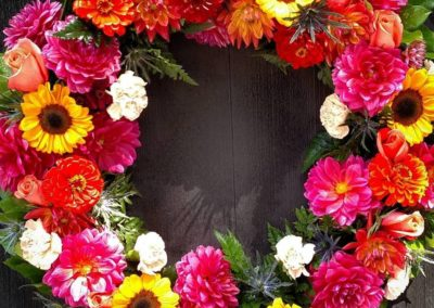 Rose_of_Sharon_Dunstable_Flowers_sunflower_wreath