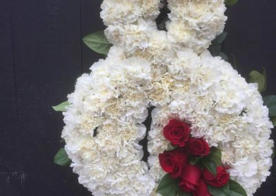 Rose_of_Sharon_Dunstable_Flowers_Sympathy_Wreath_white